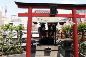 ビル屋上の神社『朝日稲荷神社』