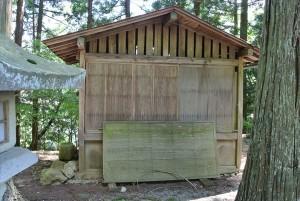折木と千反田が閉じ込められた納屋